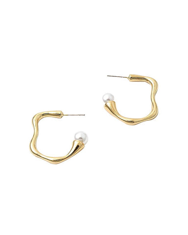 BITZ IRREGULAR SHAPED GOLD HOOP EARRING W/ PEARL