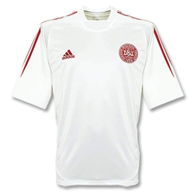 Jerseys / Soccer: Adidas National Team 2004 Denmark (A) S/s - L / Red / Adidas / 2004 Adidas Away Kit Clothing Denmark |