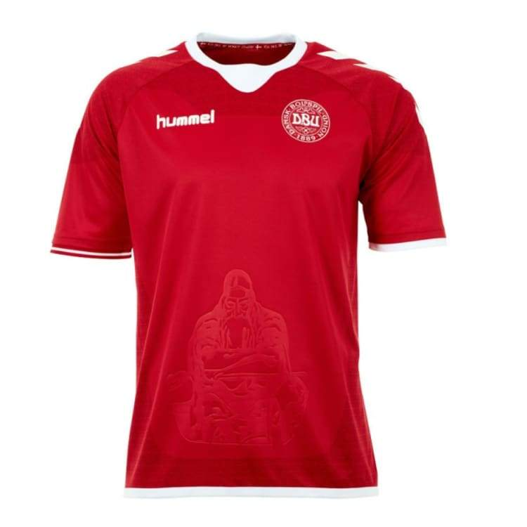 Jerseys / Soccer: Hummel National Team Euro 2016 Denmark (H) S/s 03-712-3365 - S / Red / Hummel / 2016 Clothing Denmark Denmark (World Cup)