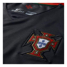 Jerseys / Soccer: Nike National Team 2015 Portugal (A) S/s 640853-010 - 2015 Away Kit Clothing Football Jerseys
