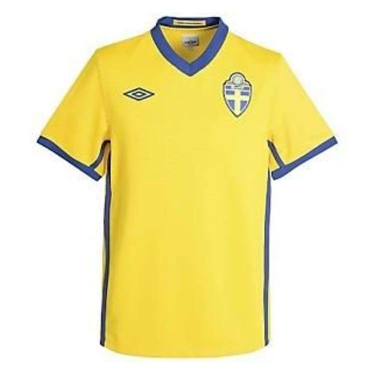 Jerseys / Soccer: Umbro National Team 2010 Sweden (H) S/s Jersey - Umbro / S / Yellow / 2010 Clothing Football Home Kit Jerseys |