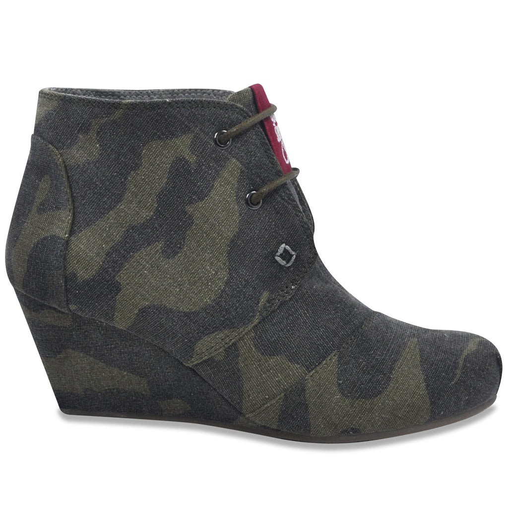 Lace-up Wedge in Jungle Camo (Canvas)