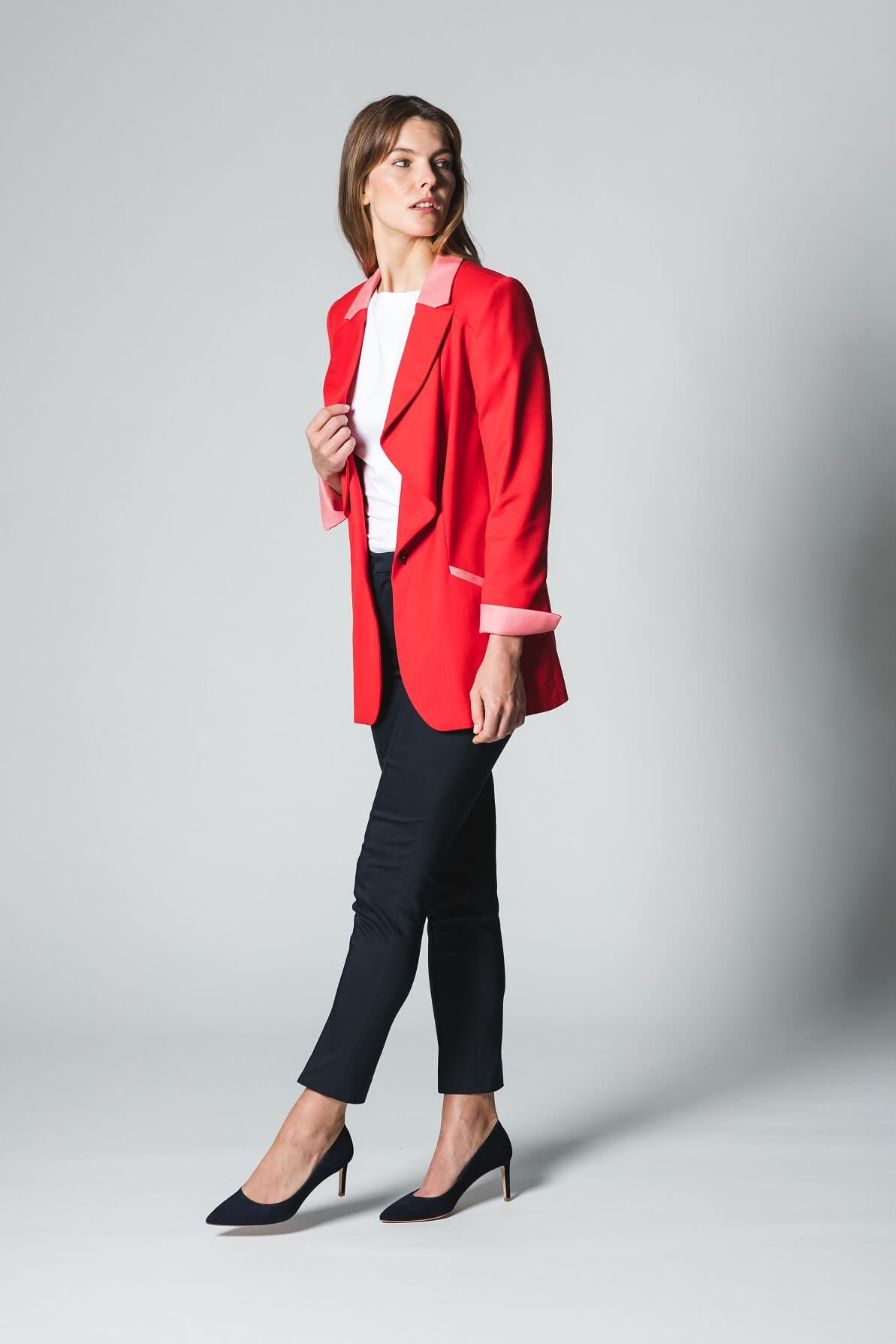 Business Outfit roter Blazer