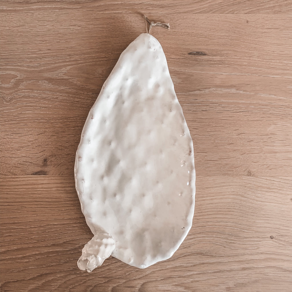 Large White Chumbera Dish