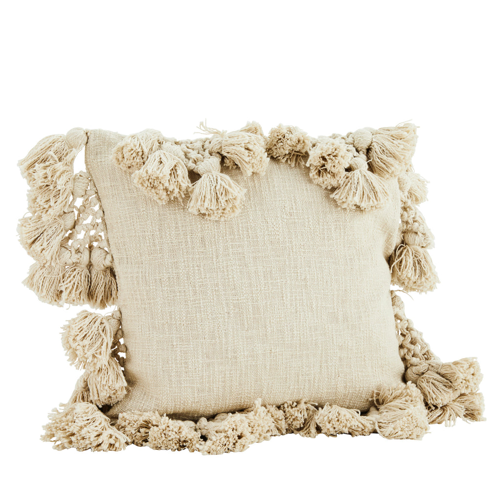 Square natural cushion with tassels