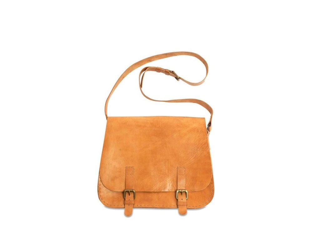 Bolso de Cuero Savannah.Savannah Leather Saddle Bag. Nkuku. Accesorios.  Clothing accessories. Nomad Estilo.