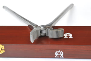 Scientific Horseshoeing Box Joint Clenching Tongs