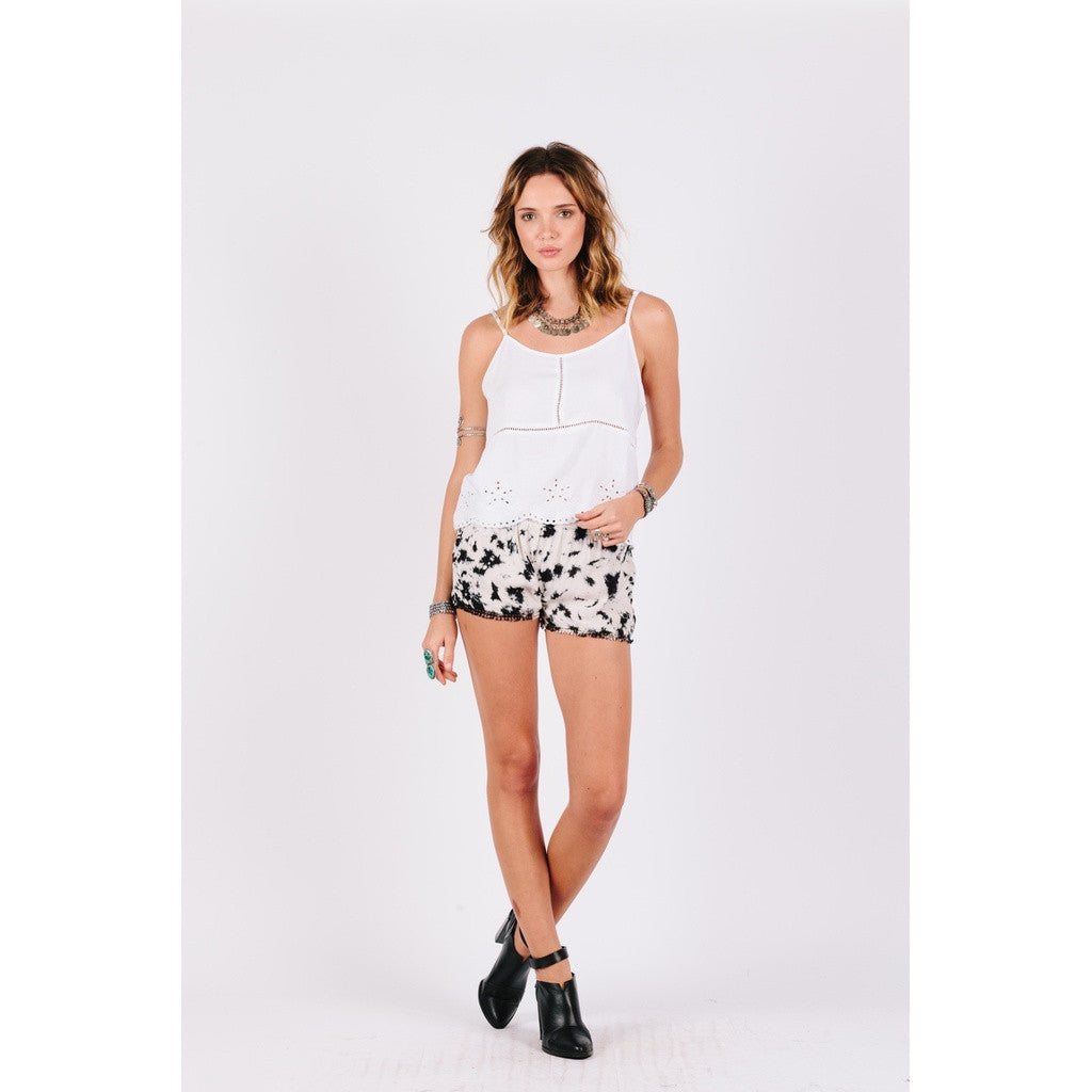 Brianne Bleached Shorts Women - Apparel - Shorts - Casual- Iconette