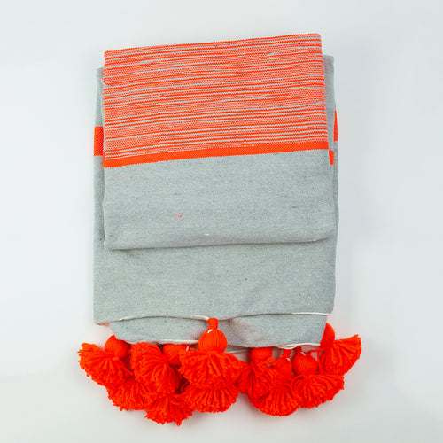 Pompom blanket - grey and orange
