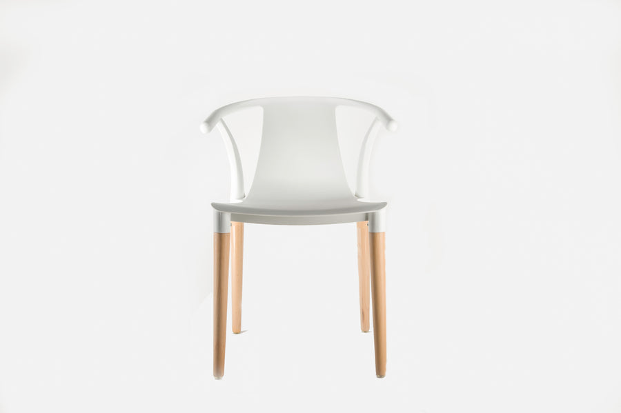 Daisy T Curve Chair White - Pre order now available from 7th Feb