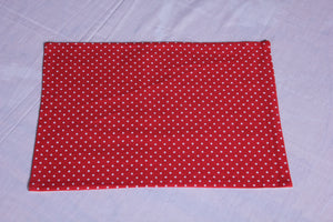Merry polka dot red table mat