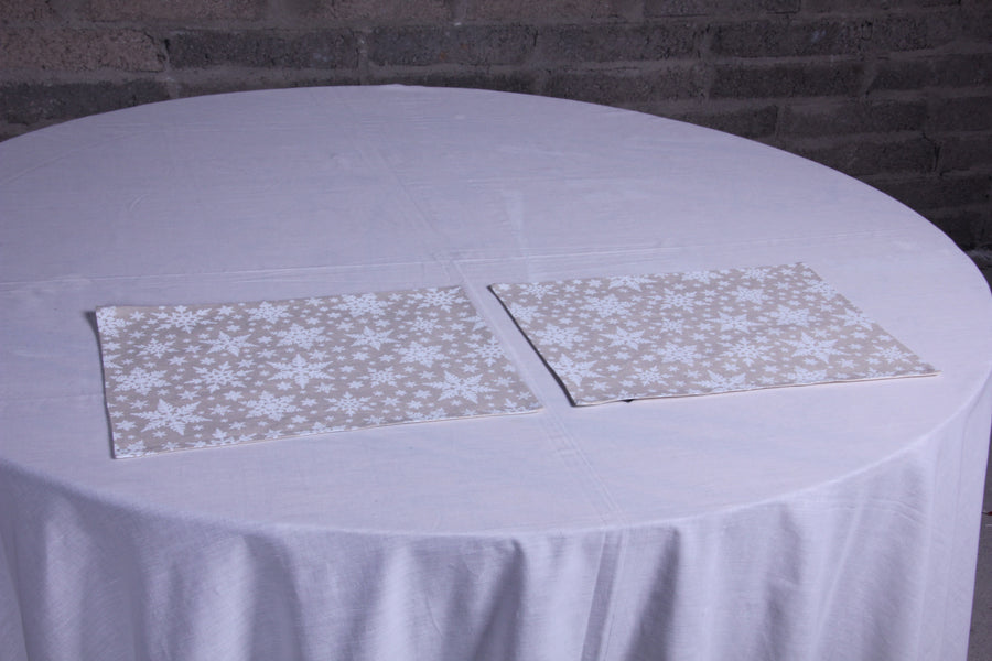 Frosty Snowflake table mat