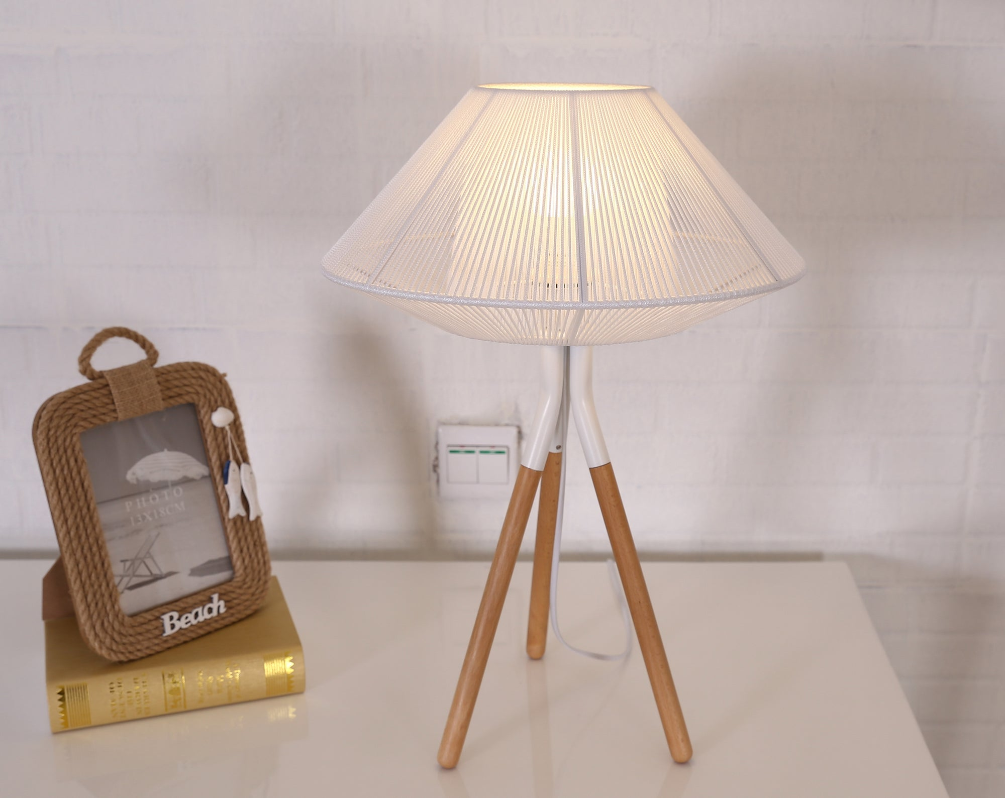 Rope Mesh Tripod Table Lamp White - Fervor + Hue
