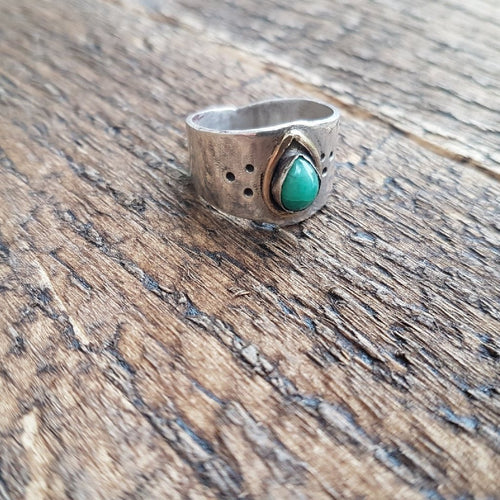 Teardrop Emerald Ring