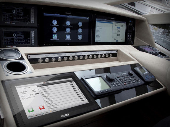 The dash of a luxurious boat, incorporating czone into their electrical system. Czone touch 10. Simple yet so technically advanced. Ask your boat builder to contact us at CZone Online!