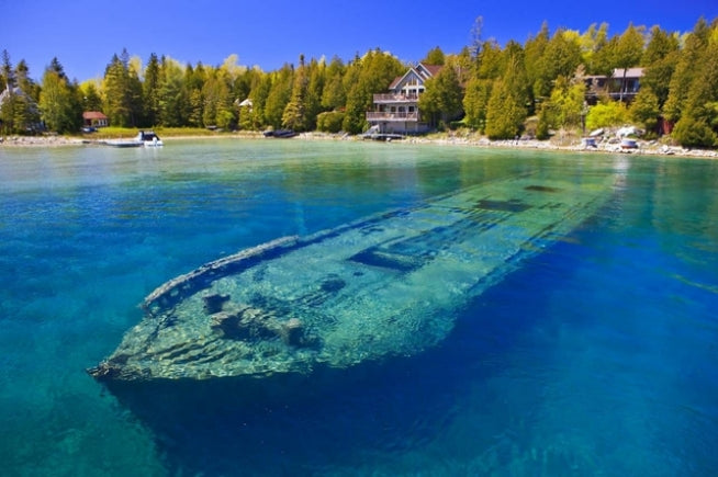 10 Famous Great Lakes Shipwrecks