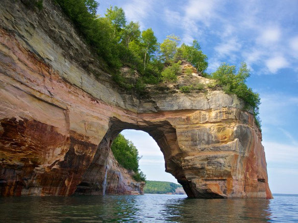 pictured rocks national lakeshore kayaking