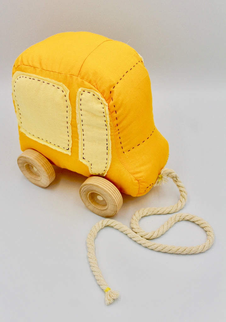School Bus Pull-toy