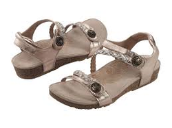 Aetrex Jillian Adjustable Quarter Strap Sandal Gold