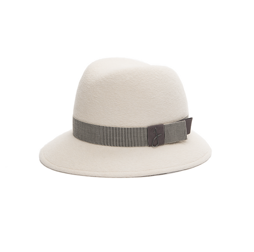 Jolie B White Hat