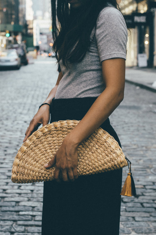Hyacinth Scallop Clutch