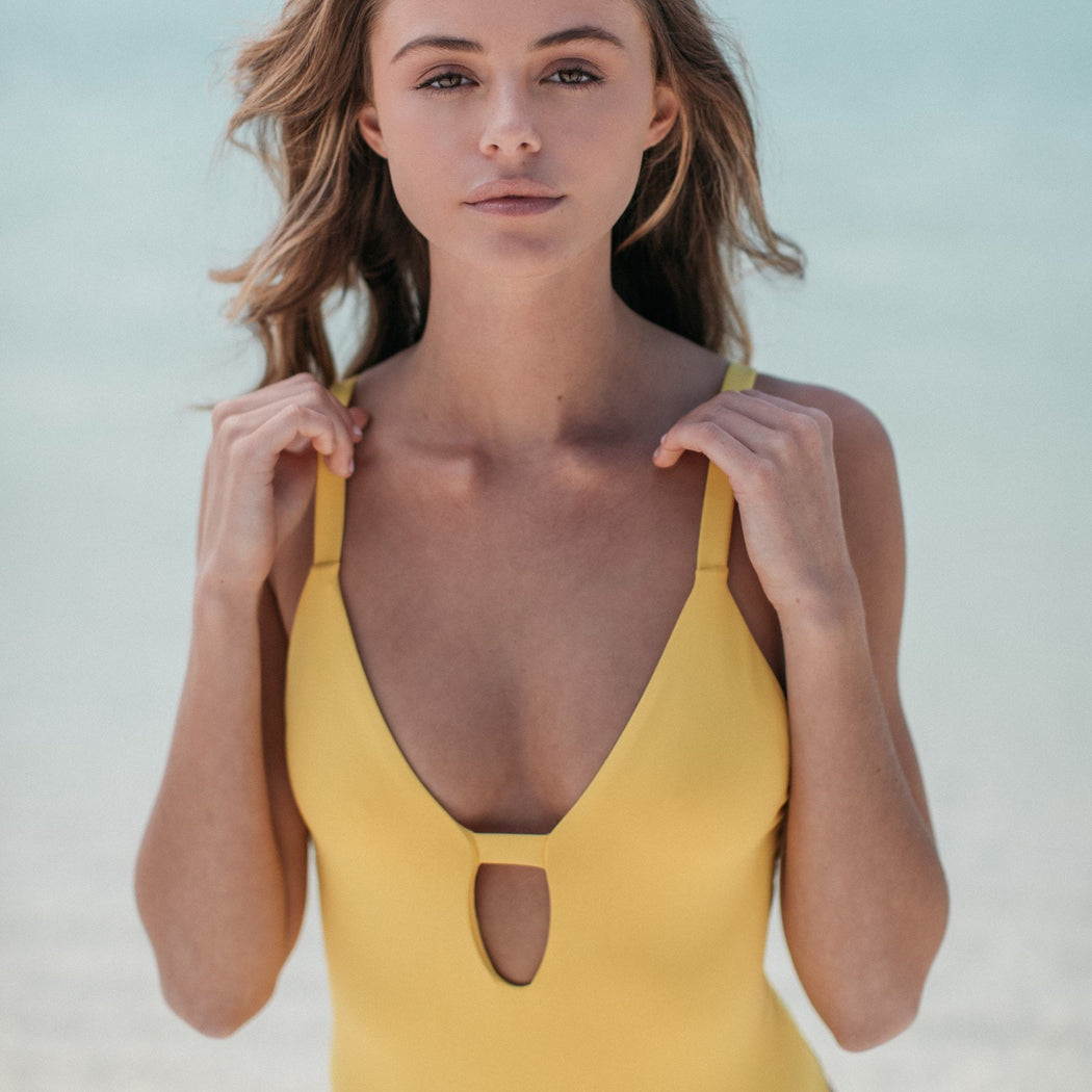 Manhattan One-Piece in Banana