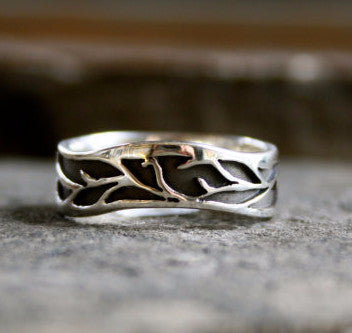 The Lovely Vine Ring