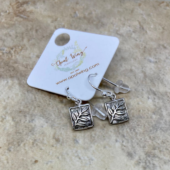 Tiny bud Earrings