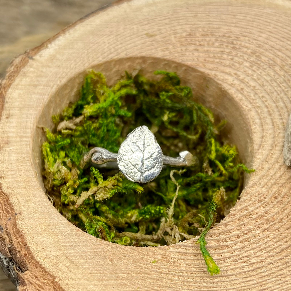 Rose Leaf Ring in Silver