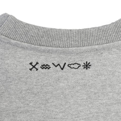 VAST - IN4M X VAST HI SCRIPT CREW NECK (GRAY)