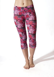 Carrot Banana Peach Capri XL / Strawberry Camouflage Lightweight Yoga Cropped Pants