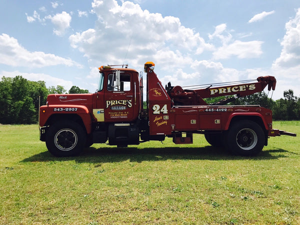 1978 R Model Mack with Century 820 Towing Unit Commercial Vehicle