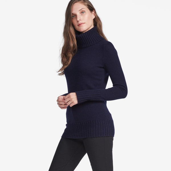 Essential Turtleneck - THERESET