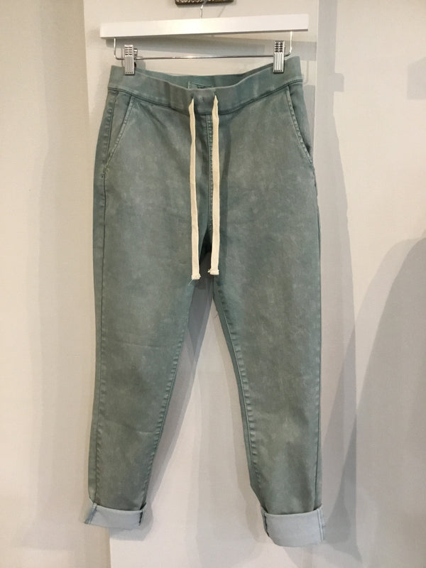 The Washed Denim Stretch Pant