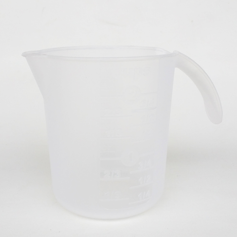 Plastic Measuring Cup 16oz.