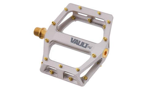 DMR Vault (Mg) Superlight Pedals