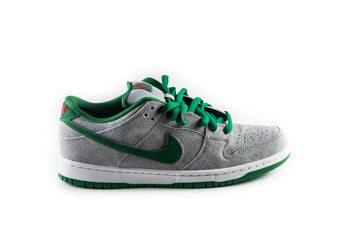 SB Dunk Low Premium Medusa
