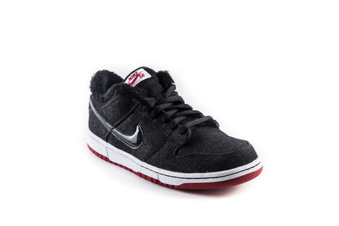 SB Dunk Low Premium Larry Perkins