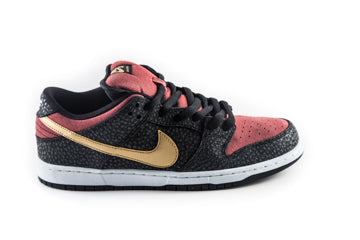SB Dunk Low Premium Walk of Fame