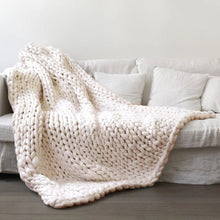 Chunky Cable Knit Blanket 100x80cm
