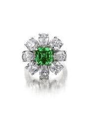 Princess Ring with Emerald Asscher Center