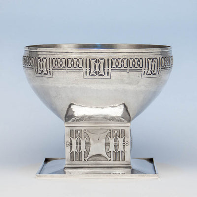 Robert R. Jarvie Important Sterling Trophy, Chicago, 1913, design attributed to George Elmslie, awarded to Fyvie Baron, International Clydesdale Champion