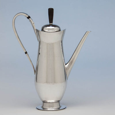 Coffee pot to Leslie Durbin English Mid-Century Modern Sterling Silver Coffee Service with Tray, London, 1967/68