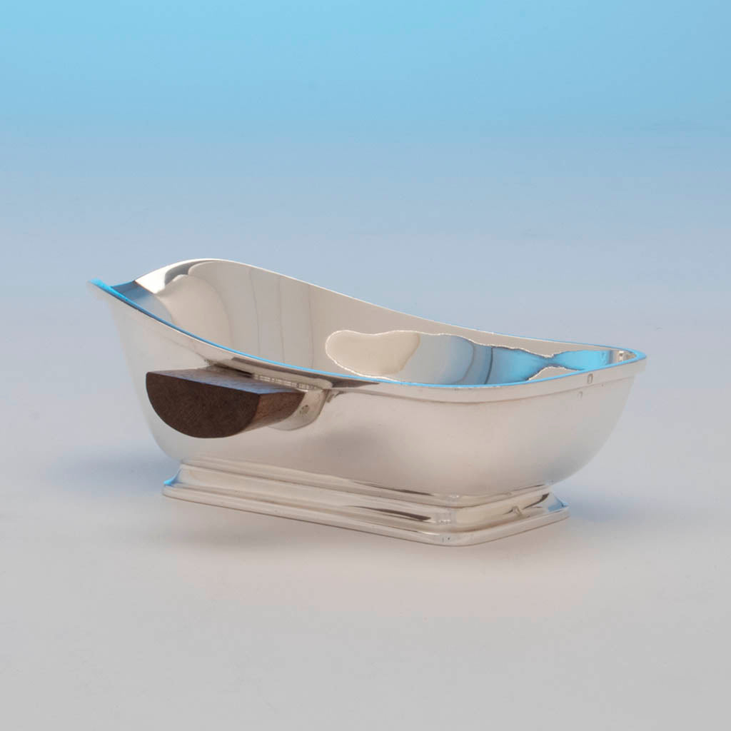 Tétard Frères French Silver (.950) Art Deco Sauce Boat, Paris, c. 1930