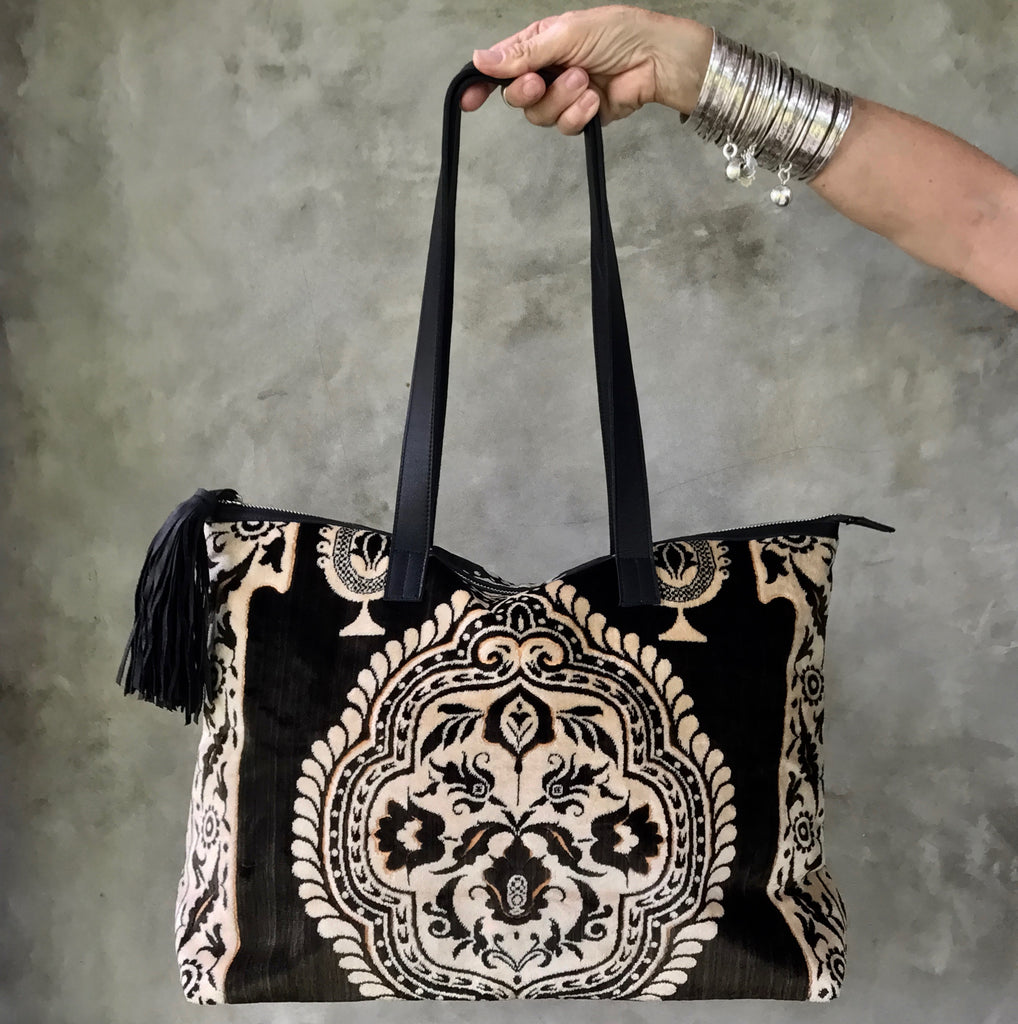 SAHARA Carpet Bag (black & cream)
