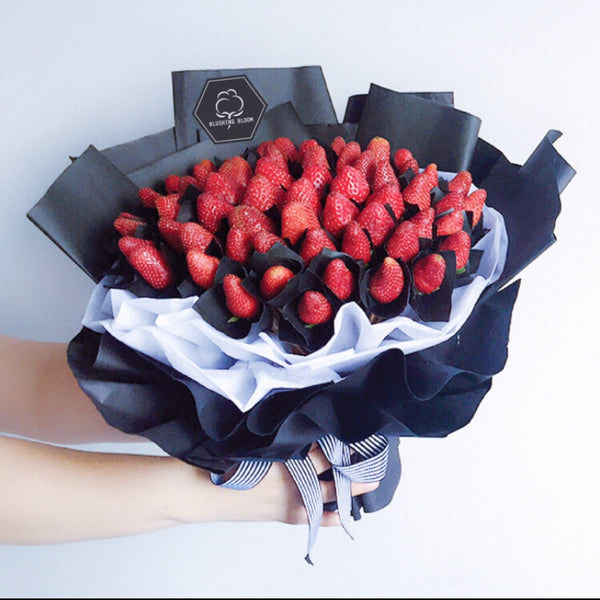 [1 Day Pre-Order] MERRY BERRY: STRAWBERRY BOUQUET