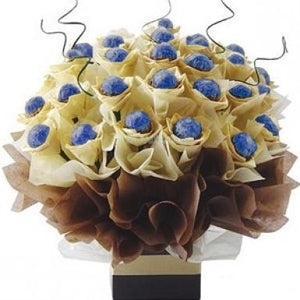 GODIVA DOME TREATS - CHOCOLATE CRISPY HAZELNUT BOUQUET