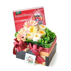 [1 Day Pre-Order] BERRY FLORY - BRAND INNERSHINE BERRY ESSENCE GIFT WITH ROSES & GERBERAS