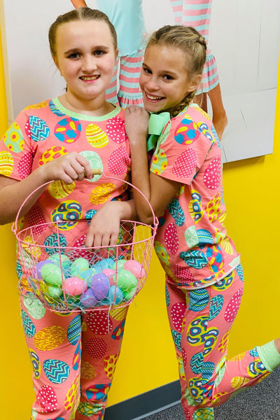 SHORT SLEEVE EGG HUNT PAJAMAS