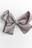 medium gray bow with clip